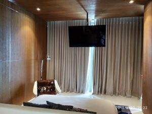 This image has an empty alt attribute; its file name is Southbeach-2508-master-bedroom-300x225.jpg